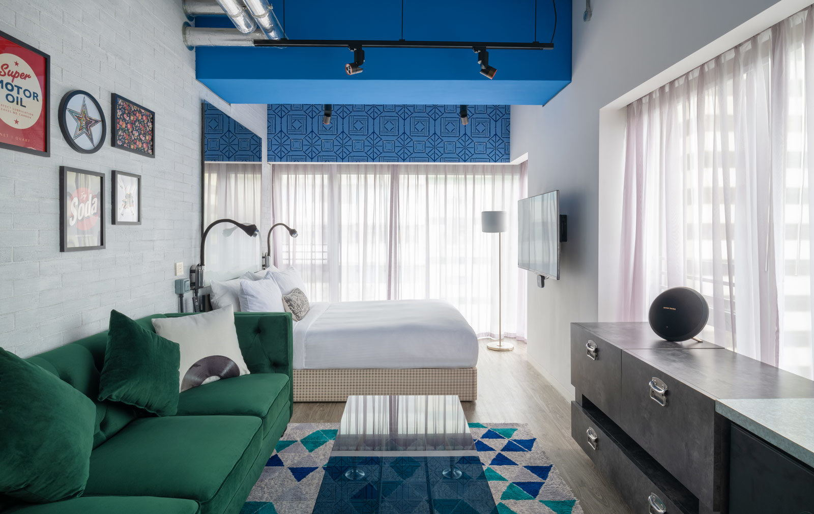 Ovolo Southside Corner Deluxe bed room interior